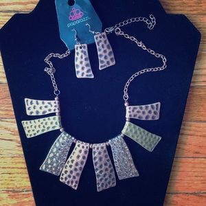 3/$10 Paparazzi Necklace & Earrings